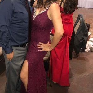 City Triangles Party dress (burgundy)